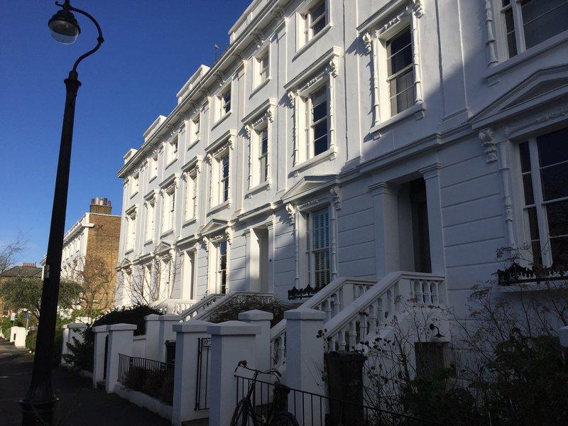 Welcome Home London, spécialiste de la relocation à Londres. Recherche d'appartement et école, état des lieux, formalités d'installation, achat immobilier.