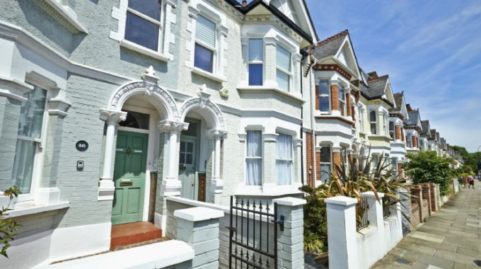 move to Fulham for its terraced Victorian houses