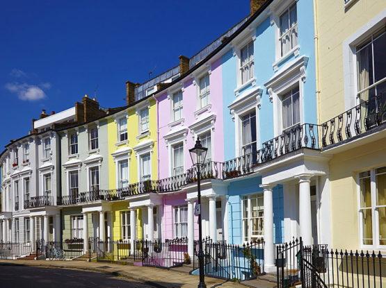 vivre à primrose hill pour ses maisons colorées