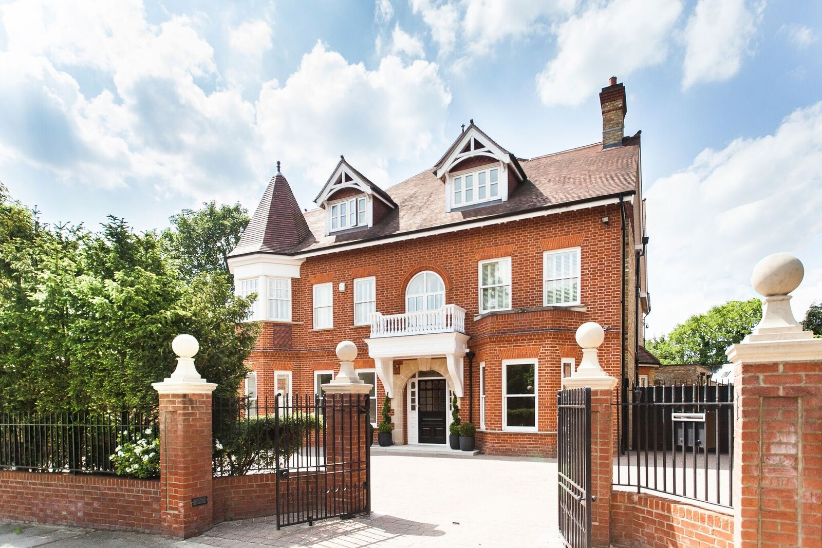 relocation and property purchase in London house in ealing