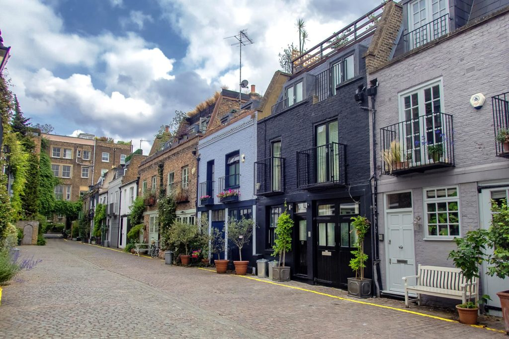 move to notting hill in a mews