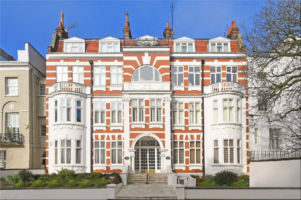 Mansion block St Johns Wood