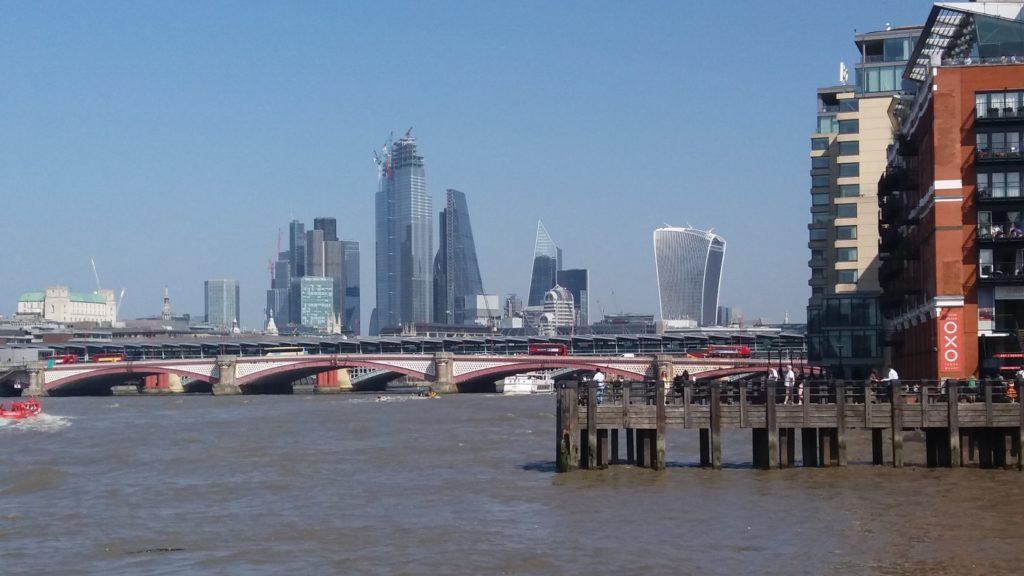 London view Thames Bermdonsey